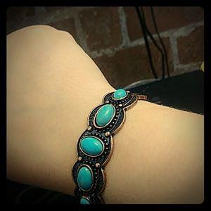 Jewelry - Crackle aqua bracelet